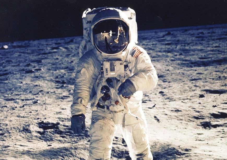Neil Armstrong og Plantronics